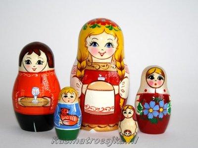 Matroesjka 'Een Russisch meisje met brood'
